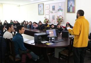 მარნეულში ჟურნალისტებმა ახალგაზრდებისთვის საჯარო ლექცია ჩაატარეს
